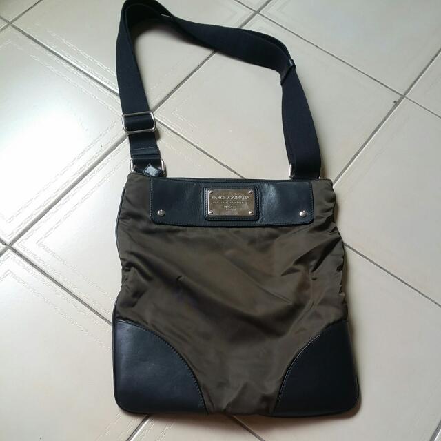 b6a86588f717 Dolce   Gabbana Sling Bag