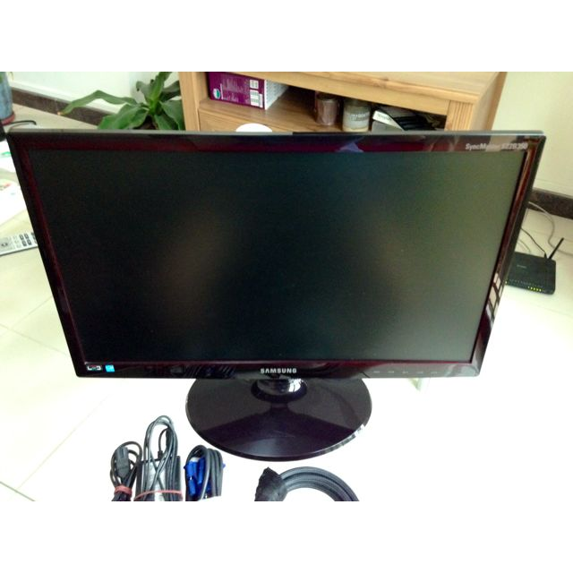 "Samsung 22"" LCD Monitor (Screen)"