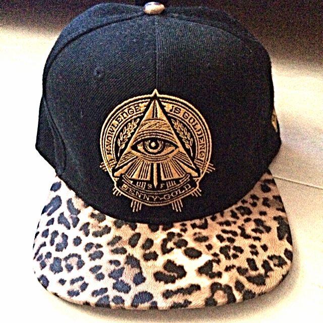Illuminati Snapback c287aa24760