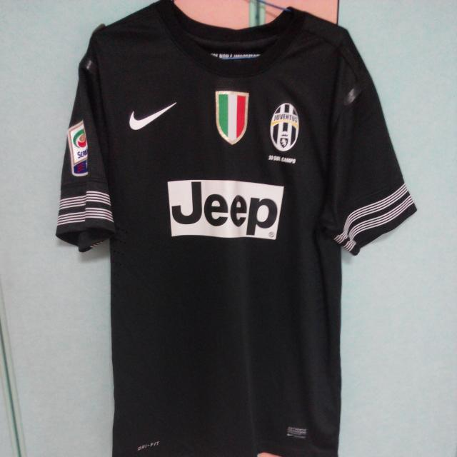 new products acb14 ae367 Juventus Away Kit 2012-2013, Sports on Carousell