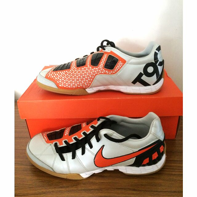 d9faf2d068a0 Nike Total 90 III (Futsal Shoes)