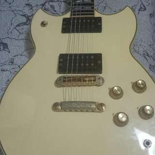 Rare Cream White Yamaha Guitar SG 1000 MIJ All Original Parts