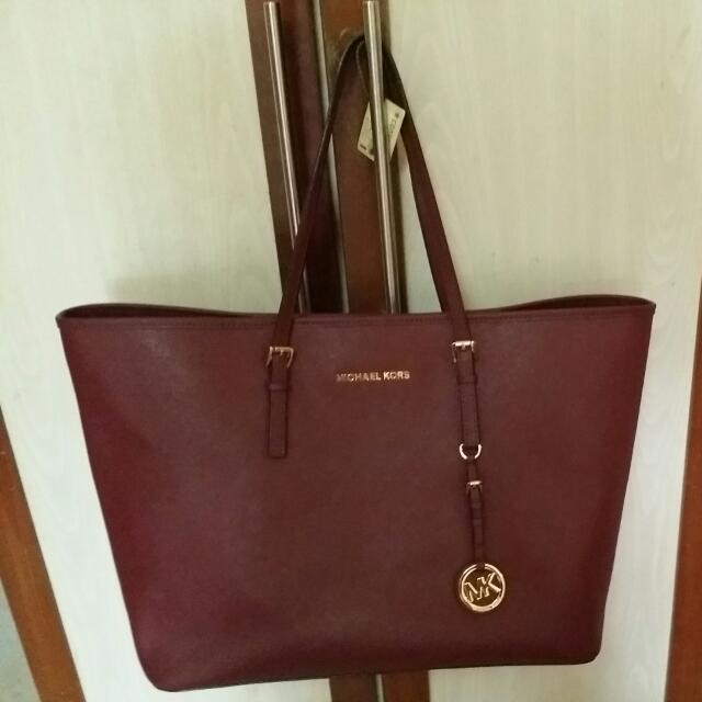 5fb2ca145928 MICHAEL Michael Kors 'Jet Set' Medium Burgundy Leather Tote Bag ...