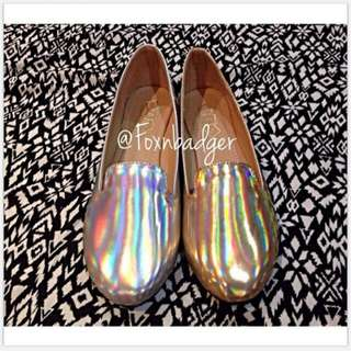 Holographic Flats from Foxnbadger