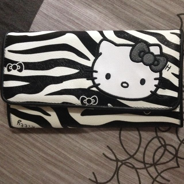 Hello Kitty Limited Ed purse