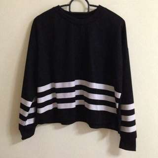 Black Cropped Pullover