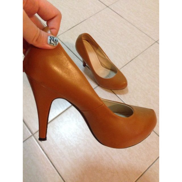 Good Quality Light Brown Heels