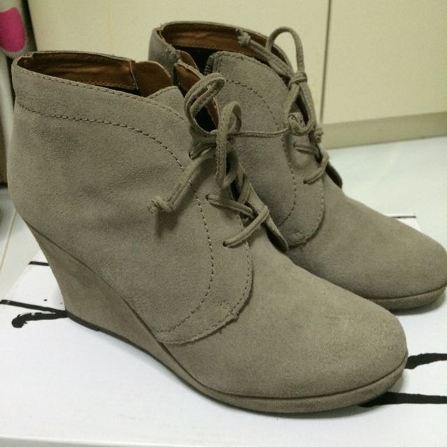 Dolce Vita Laced Ankle Boots Wedges