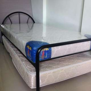 (RESERVED) Single Bed w/ Pull Out Bed