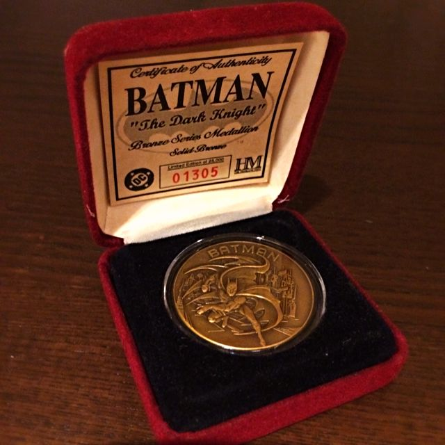 BATMAN The Dark Knight Bronze Series Medallion