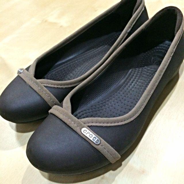 CROCS Ladies Flats /Palm Shoe
