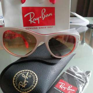 Ladies Rayban Sunglasses. New And Authentic