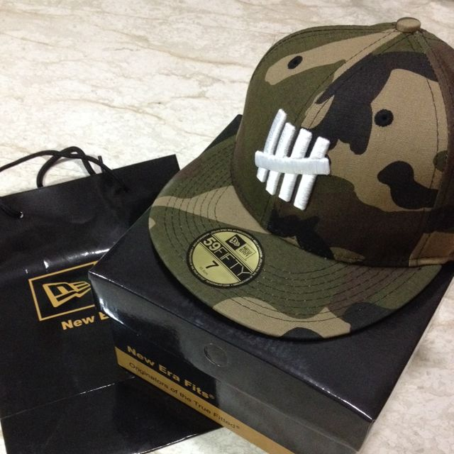 BNIB UNDEFEATED x Bape x New Era  1st Camo  59Fifty Fitted Baseball ... 8d1648cf2ada