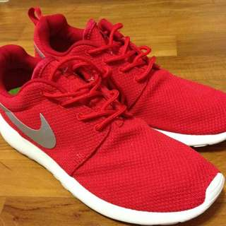 Sport Red Roshe Runs
