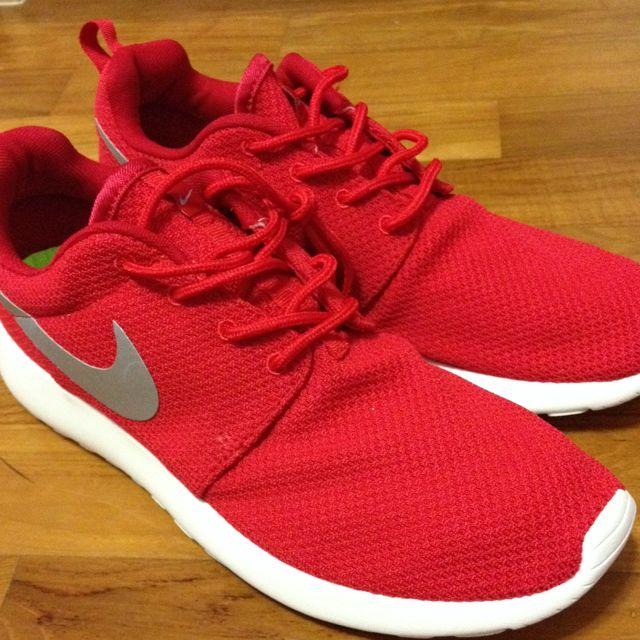 Sport Red Roshe Runs