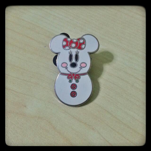 Disney Female Snow-Woman Pin