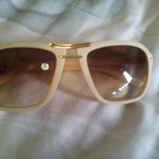 Vintage shades In Peach Colour $11 Mailed!