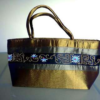 B01 NEW Bag Delightful and Unusual Tote
