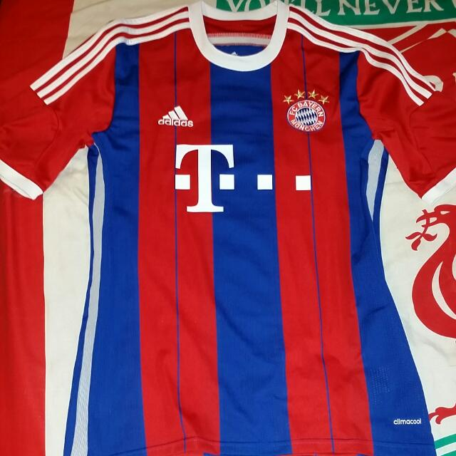 huge discount 1fa45 265d2 Official Adidas Bayern Munich 2014/15 Home Kit. Size Medium. Worn Only Once  & Then Find Out That The Jersey Is Quite Tight For Me, Especially Tummy ...