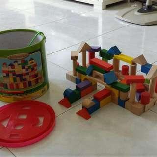 100pcs Wooden Block Set