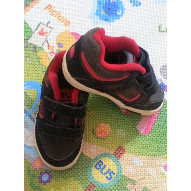 c5528bbd1f Preloved Authentic Toddler Vans Shoes