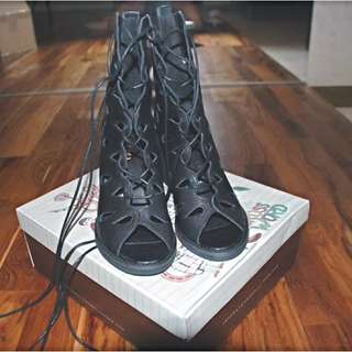 Jeffrey Campbell Halo Leather Teardrop boots US8