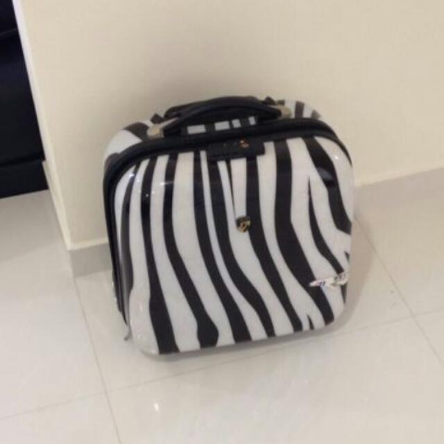 Looking For This Bag!!!
