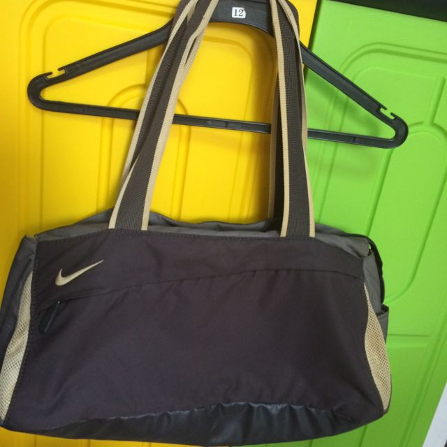 Nike Ladies Bag ed3840bdf39fa