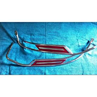Vespa ORIGINAL Cowl Guard