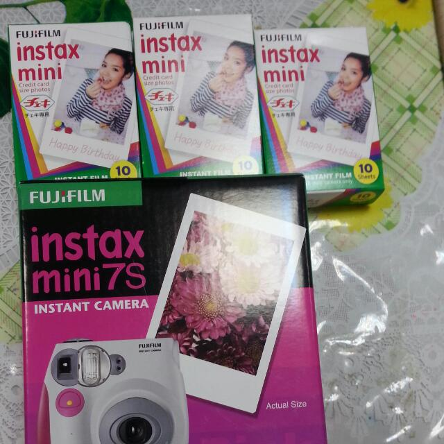 Fujifilm Instant Camera 7s Plus 3 Packets of Instax Mini(Reserved)