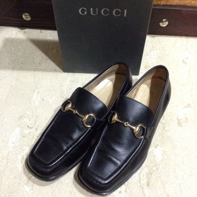 d9ab44bbad2 Authentic  1953  Gucci Horsebit Leather Loafers (Vintage)