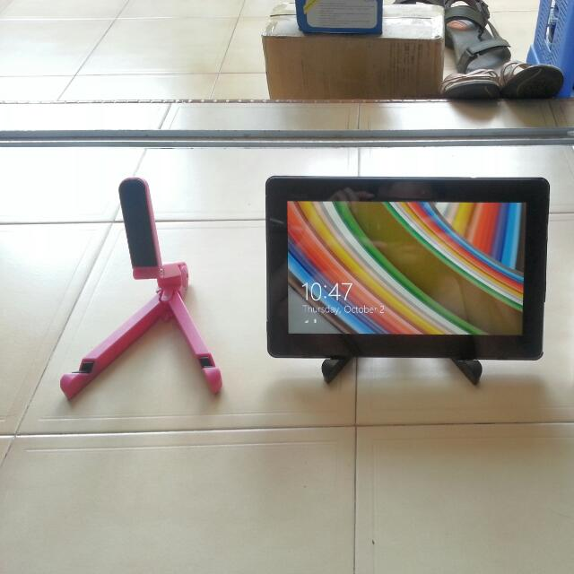 Pink Color Portable Mini Adjustable Tablet iPad Handphone Stand! Limited Edition Pink! Free Gift Mini Handphone Stand!