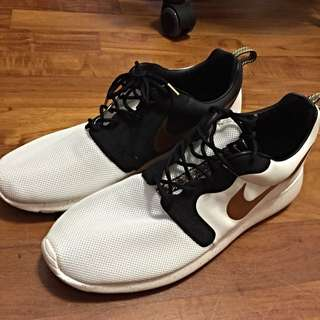 Gold Hyperfuse Roshe Run