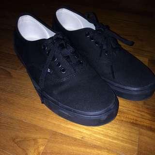 Full black Vans
