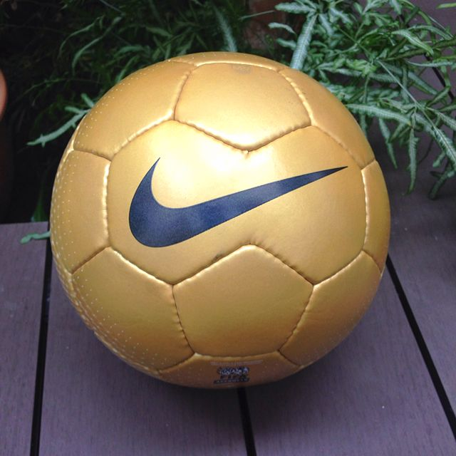 best authentic 98e5d 61f53 Nike Mercurial Vapor Official Match Ball, Sports, Sports Apparel on  Carousell