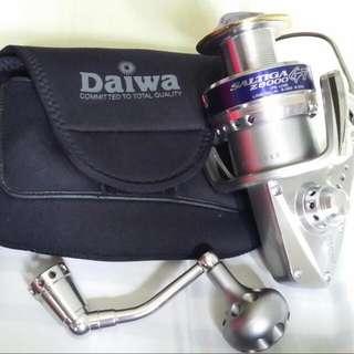 🚚 Lightly used Daiwa Saltiga Z6000 GT- Made In Japan. Price Reduced!!