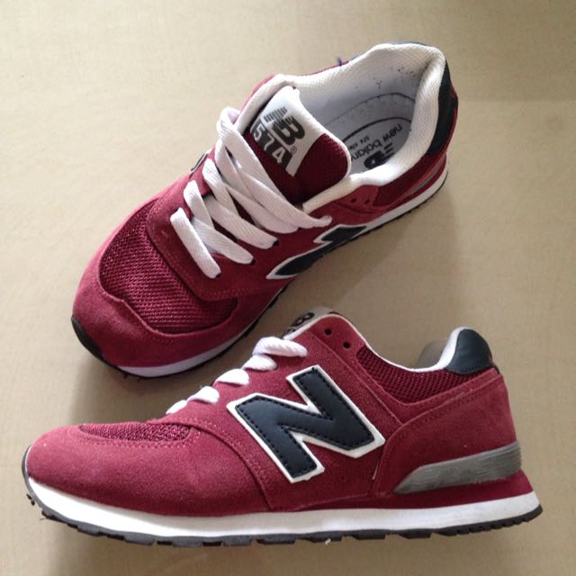 Balance 574 maroon sneakers