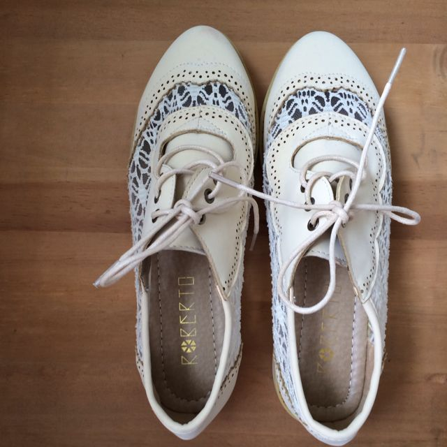 Brand New Faux Leather Lace Up Oxford Shoe
