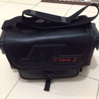 OLD SKOOL CANON CAMERA BAG FROM JAPAN.