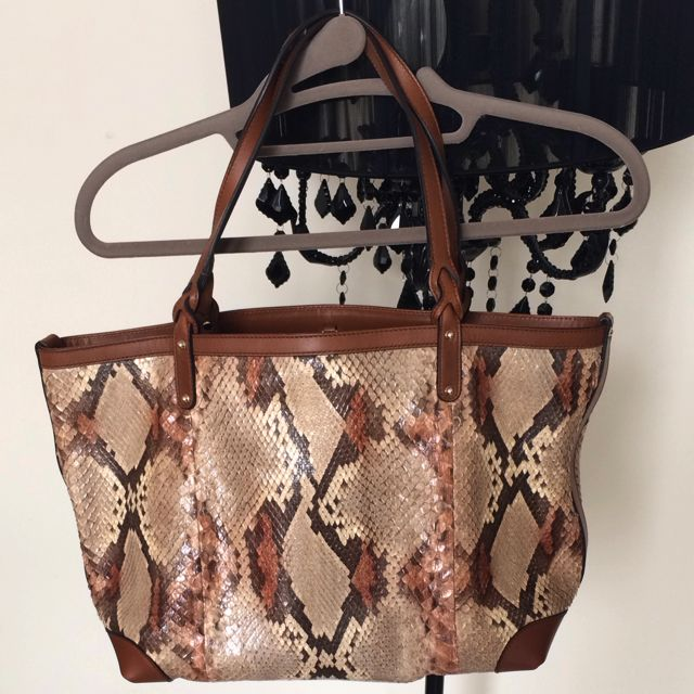 422c77b2f670 Authentic Gucci Python Skin Tote Bag, Luxury on Carousell