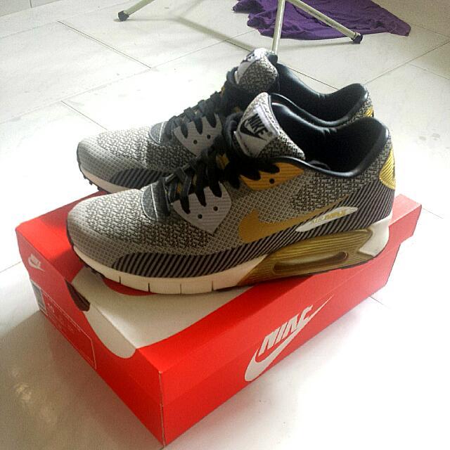 timeless design ed85d c28a4 (Price Down) Nike Air Max 90 JCRD PRM QS