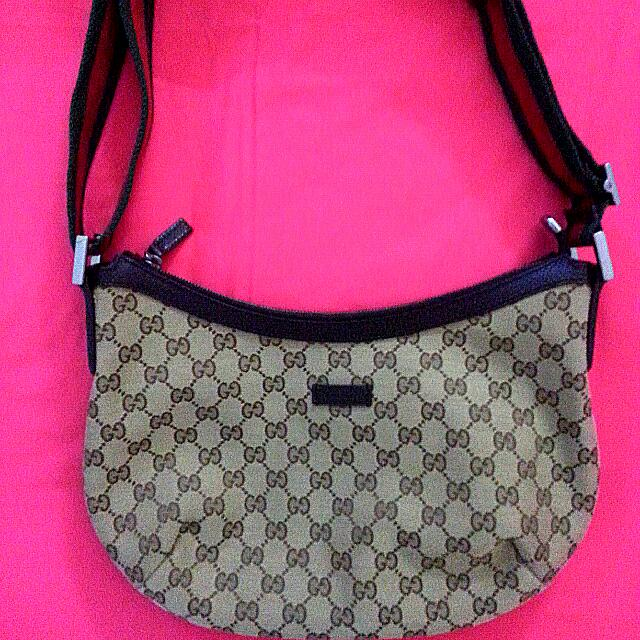 e4a818a23 GUCCI Half Moon Sling Bag, Luxury on Carousell