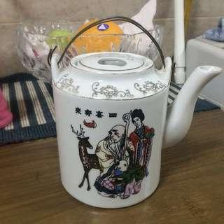 Vintage Looking Chinese Tea Pot