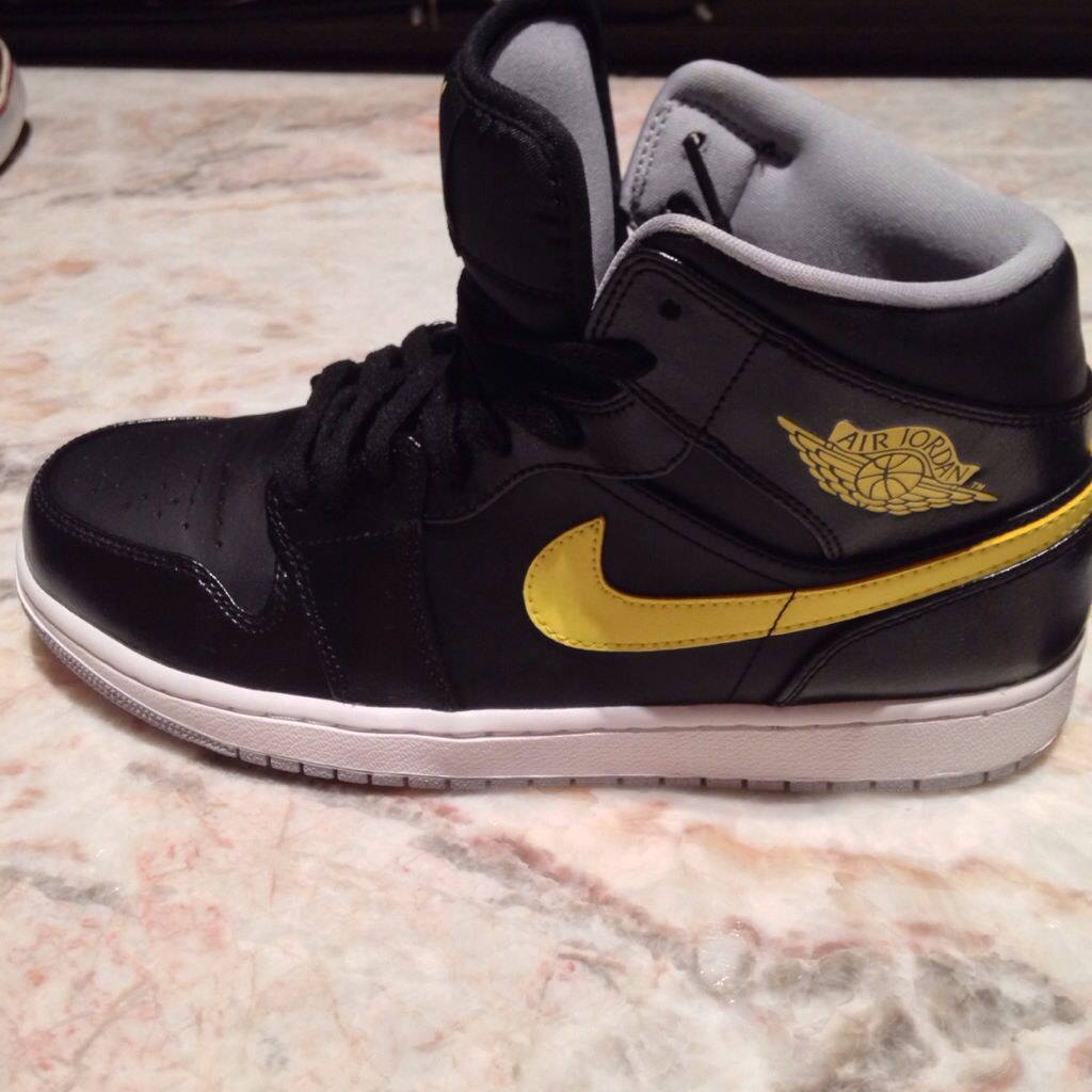 d5465c81042f Nike Shoes  Jordan s   Dunks   Kicks