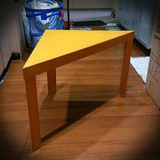 *reserved* Sturdy Yellow Wooden Side Or Coffee Table