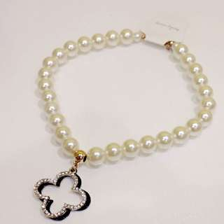 BN As-Your-Wish Clover Pearl Necklace