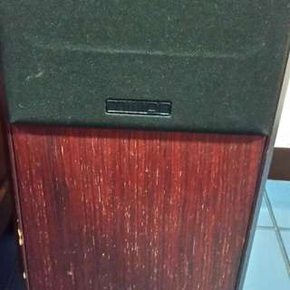 preloved speaker.2 pieces