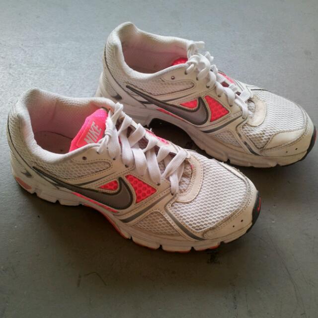 Nike Air Retaliate Running Shoe BRS 1000 , Sports on Carousell