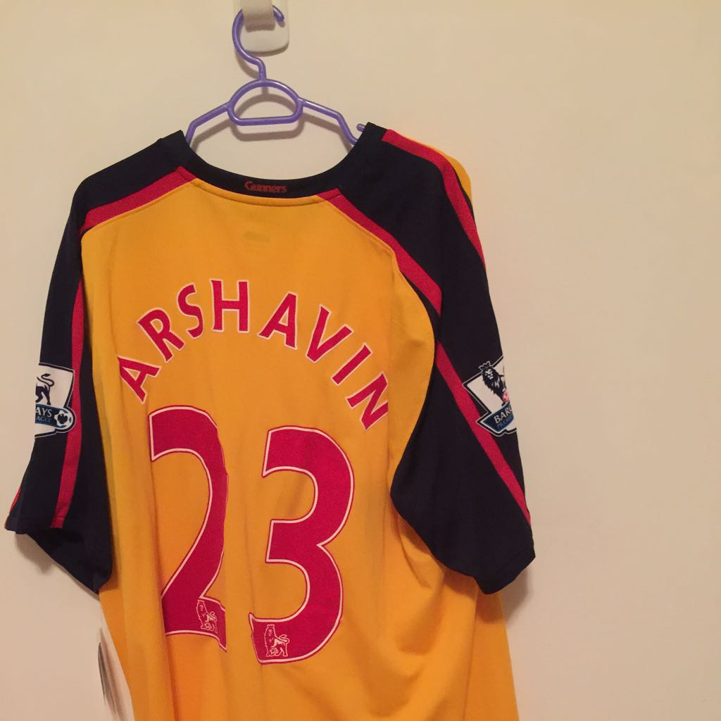 reputable site 61250 c8530 Arsenal Away Jersey - Arshavin, Sports on Carousell