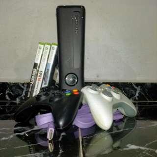 Xbox 360 slim 4gb Good Condition